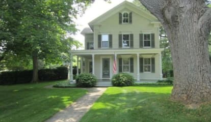 2713 Bronson Road, Fairfield, CT 06824