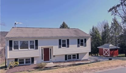 10 Russeling Ridge, New Milford, CT 06776