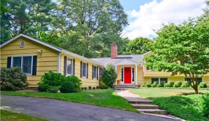 270 Hoydens Lane, Fairfield, CT 06824