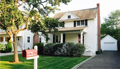 10 Anthony Place, Greenwich, CT 06878
