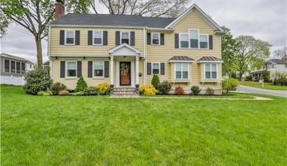 44 Alton Road, Stamford (Glenbrook), CT - $749,000