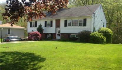 46 Somerset Lane, Stamford (North Stamford), CT 06903 - $3,400 per month