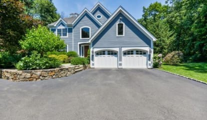FEATURED LISTING: 136 Scribner Hill Hill Wilton, CT 06897