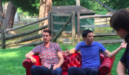 'Property Brothers' Wow Hundreds Of Fans At Area Appearance