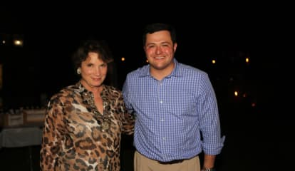 Weston GOP Celebrates Summer With Clambake
