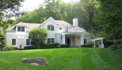 FEATURED LISTING: 5 Brittany Court Chappaqua, NY 10514