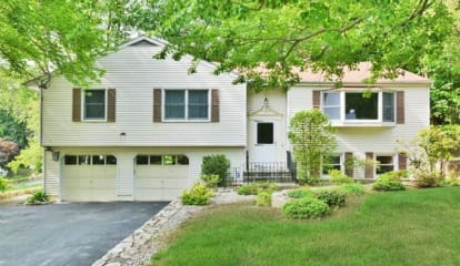 FEATURED LISTING: 6 Lyncrest Road Cortlandt Manor, NY 10567