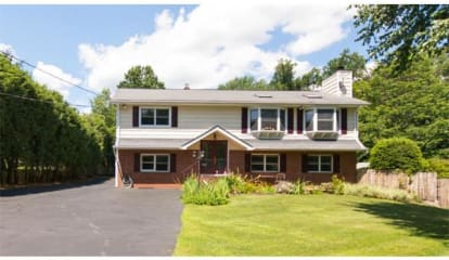 FEATURED LISTING: 7 Beech Place Valhalla, NY 10595