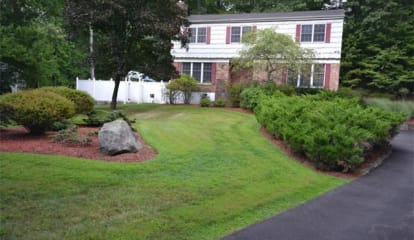 JUST LISTED: 5 Mandy Court Croton-on-Hudson, NY 10520