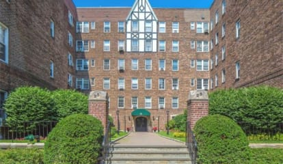 JUST LISTED: 25 Parkview Avenue #5I Bronxville, NY 10708