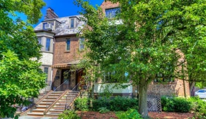 JUST LISTED: 16 Center Knolls Bronxville, NY 10708