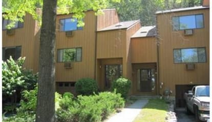 JUST LISTED: 40 Amber Drive Croton-on-Hudson, NY 10520
