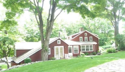 FEATURED LISTING: 33 Lovers Lane Wilton, CT 06897