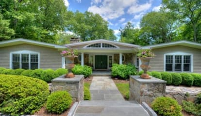 FEATURED LISTING: 3 Pink Cloud Lane Weston, CT 06883