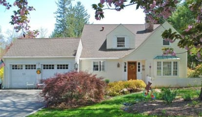 FEATURED LISTING: 8 Sport Hill Parkway Easton, CT 06612