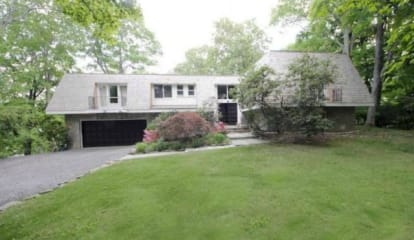 FEATURED LISTING: 7 Alec Templeton Lane Greenwich, CT 06831