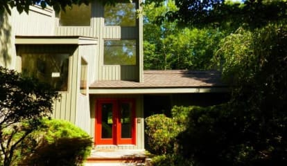 JUST LISTED: 34 Woodland Place Wilton, CT 06897