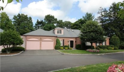 JUST LISTED: 11 Bank Street Unit: 2 New Canaan, CT 06840