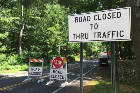Saxon Woods Rd Closed in...