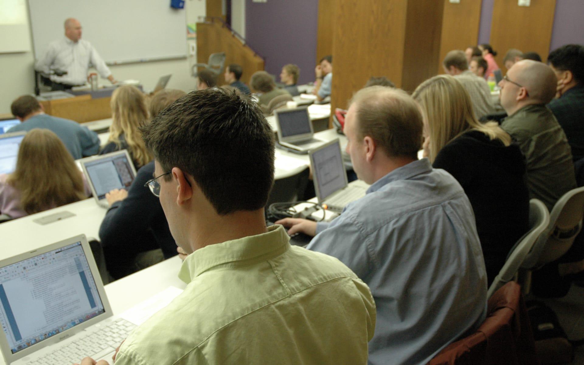 Dr Holsteen teaching a class