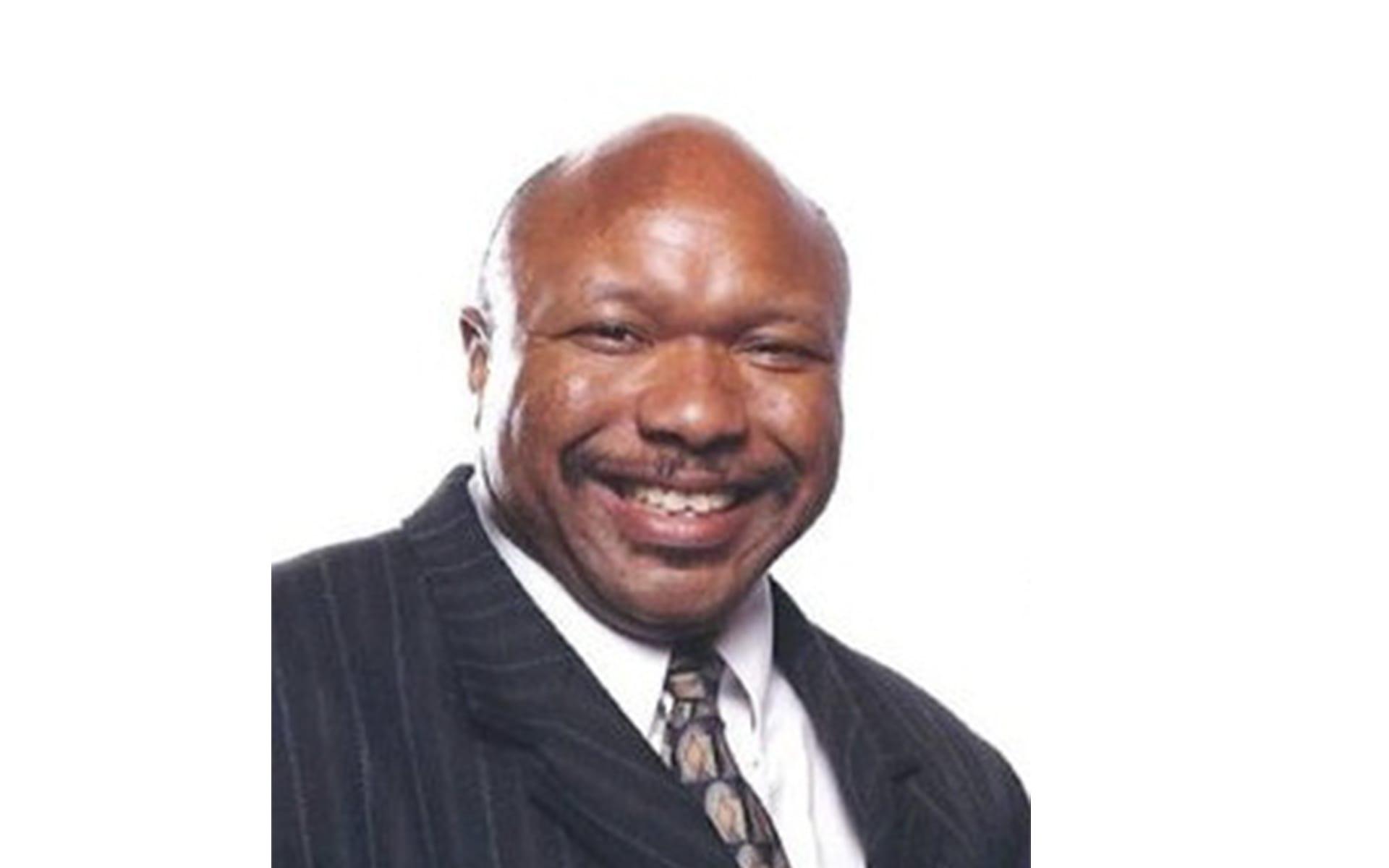 Simmons chapel headshot