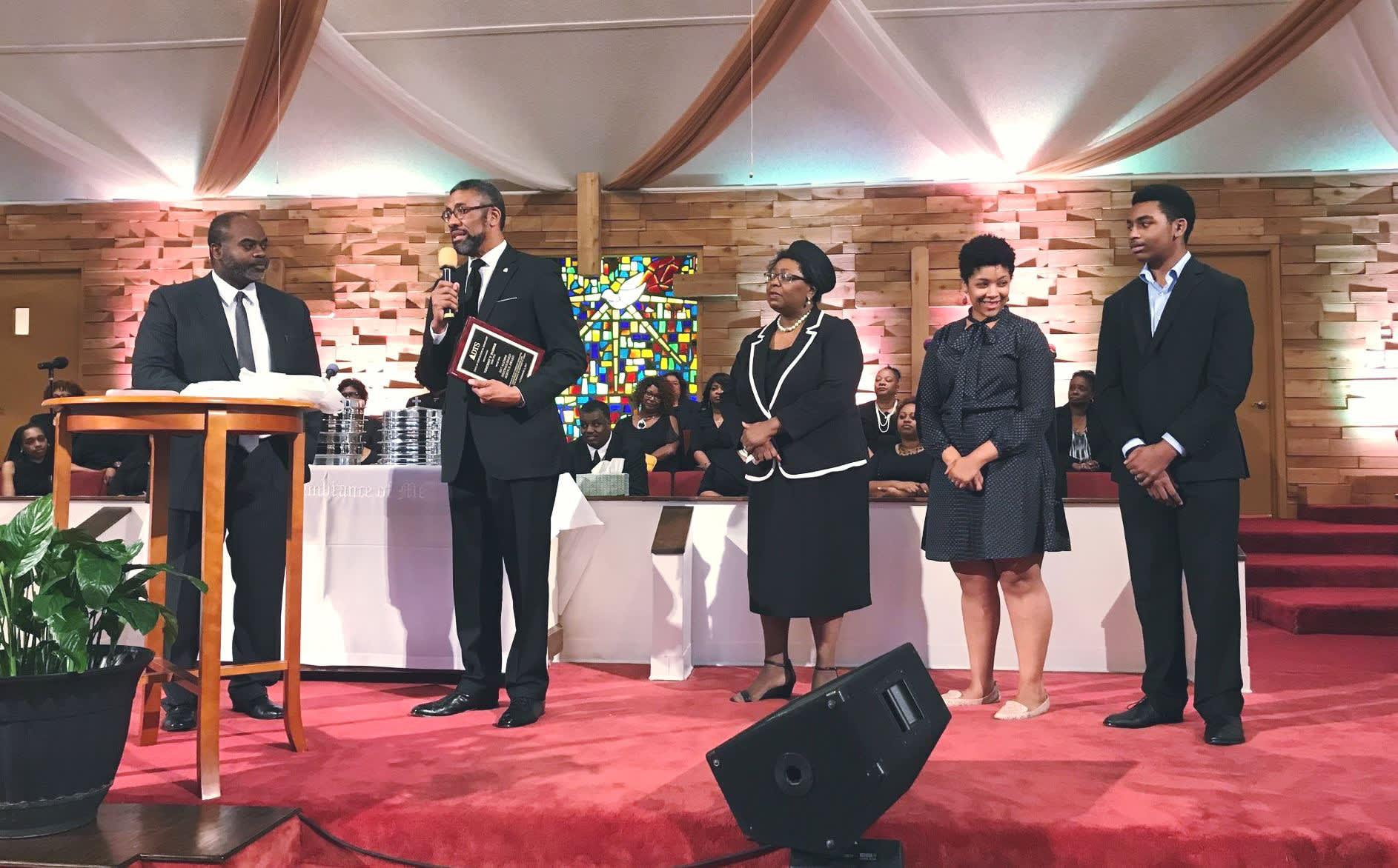 DTS alum Vincent Parker receiving DTS Distinguished Service Award