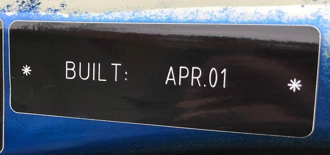Build date sticker of Y Reg MINI built in April 2001