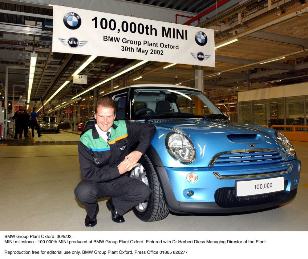 100,000th MINI Produced at Cowley Oxford pictured with Dr Herbert Diess Managing Director of the Plant