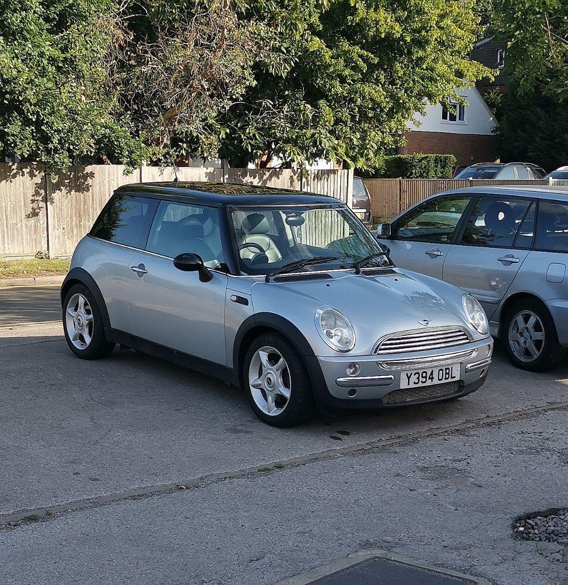 Photo of Silver Y Reg BMW MINI Cooper R50 Registration Number Y394OBL image 2