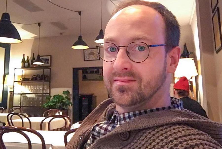 Звезда «Кухни» Тарасов заявил, что роль кондитера «ходит за ним тенью»