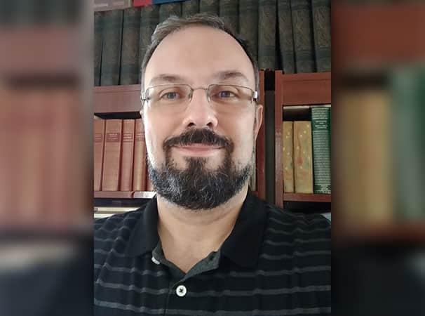 Um repertório infinito: Entrevista com o professor Emerson Tin
