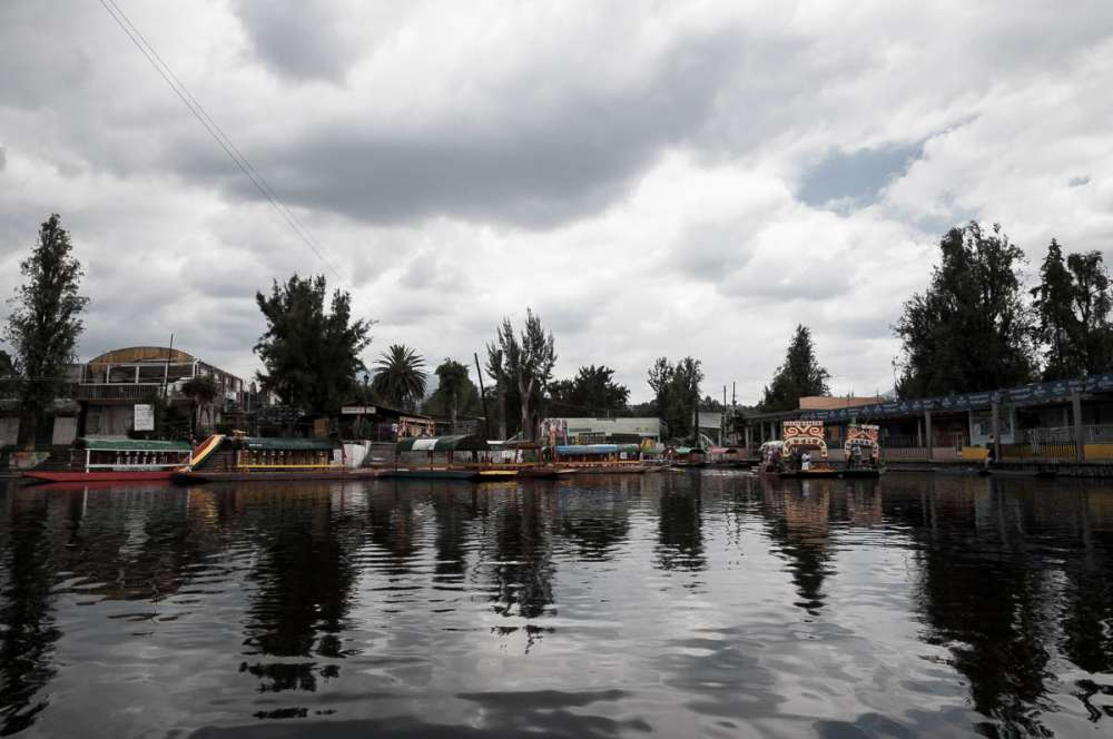 Canals at Xochimilco with boats.