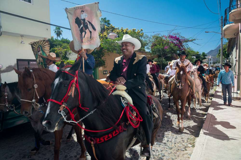 Father of the quinceañera girl during the procession in Ajijic.