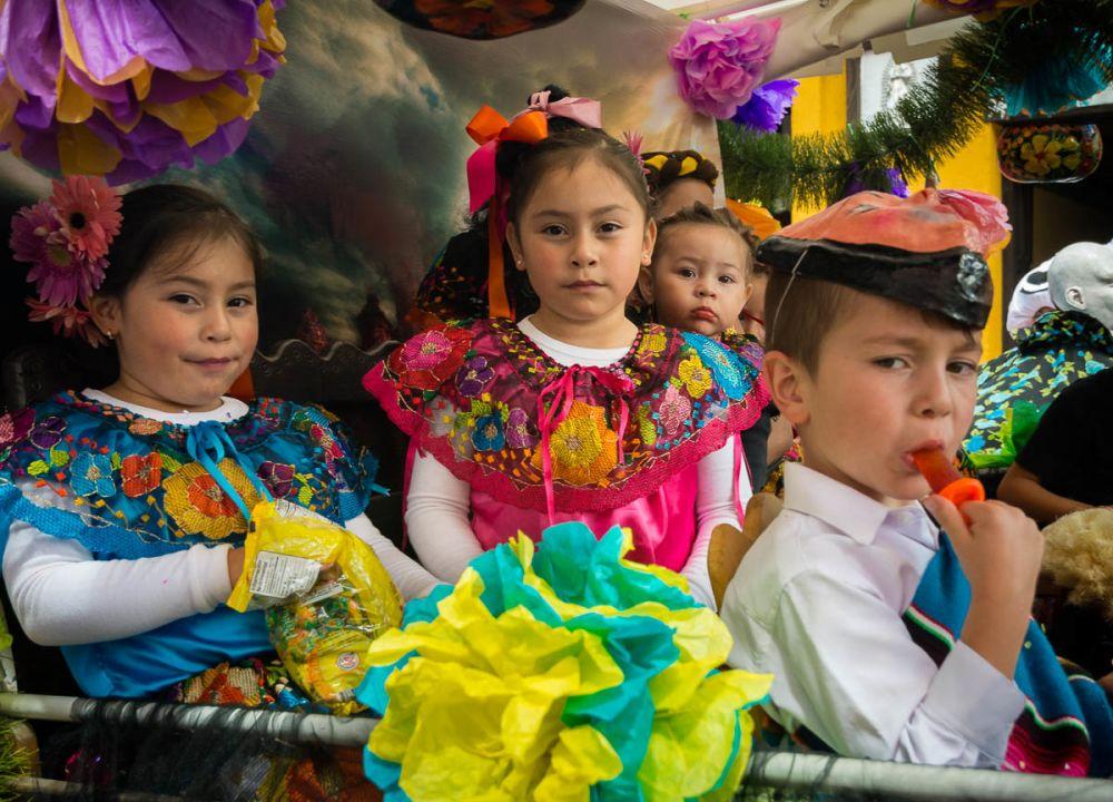 Parachico girls during the Fiesta de la Merced in San Cristóbal de las Casas, Chiapas