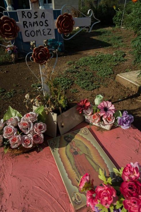 Grave of Rosa Ramos Gómez, Panteón Muncipal, Atotonilquillo, Jalisco.