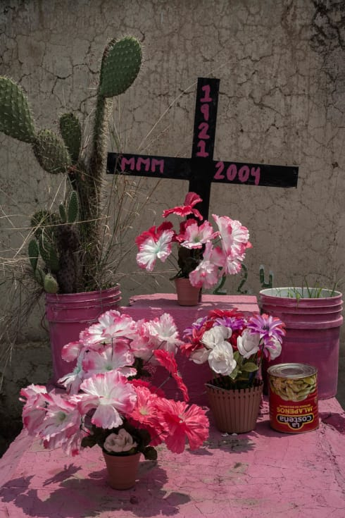 La Costeña cans appear in Mexican graveyards all over the country. This grave is in Santa Anita, Jalisco.