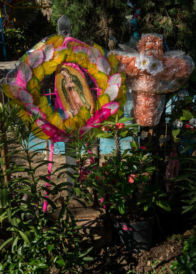 A relatively simple display in the Ajijic cemetery on the Day of the Dead.