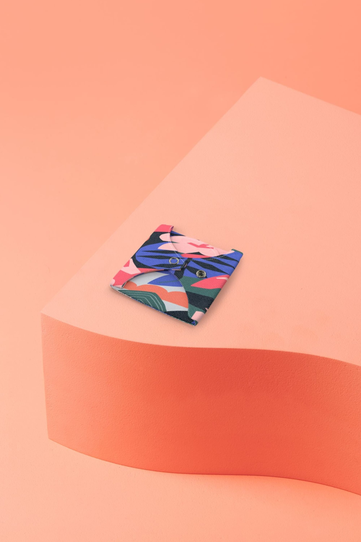 Serviette lavable pliée flux normal motif Kyoto