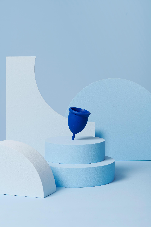 coupe menstruelle L bleu foncé pour flux abondant - 1