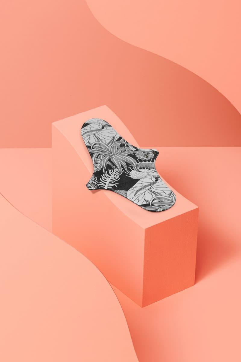 """Serviette hygiénique lavable pour flux normal motif """"flower tattoo"""""""