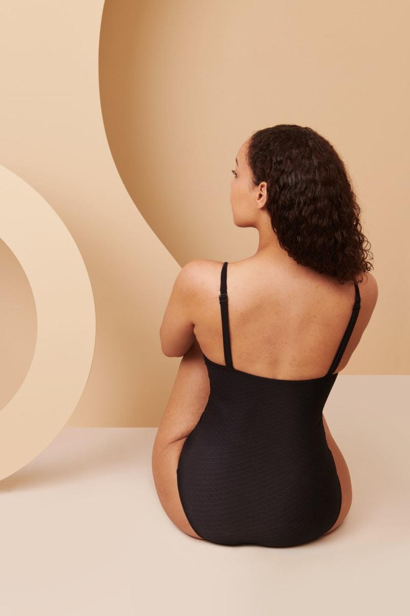 Maillot de bain menstruel de dos en taille 52