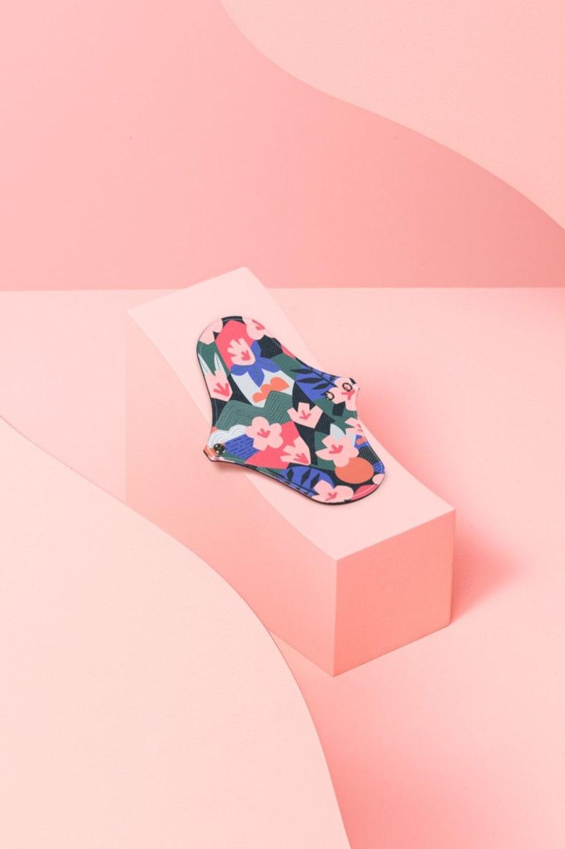 Protège-slip lavable en coton bio motif Kyoto, fleuri, inspiré du Japon.