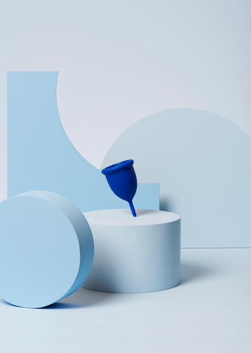 coupe menstruelle S bleu foncé pour flux léger à moyen - 1