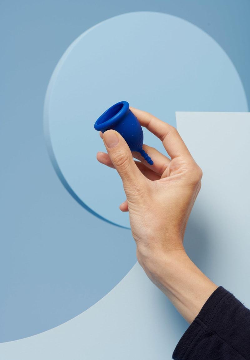 coupe menstruelle S bleu foncé pour flux léger à moyen - 3