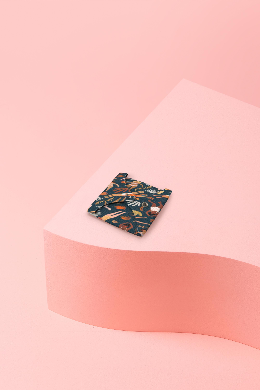 protège-slip lavable en coton bio motif plongeuses - plié