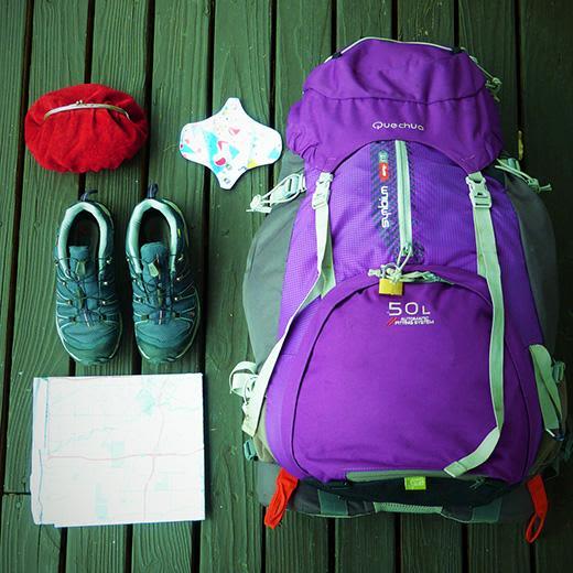 Photo de l'équipement nécessaire pour faire un trek quand on est menstrué