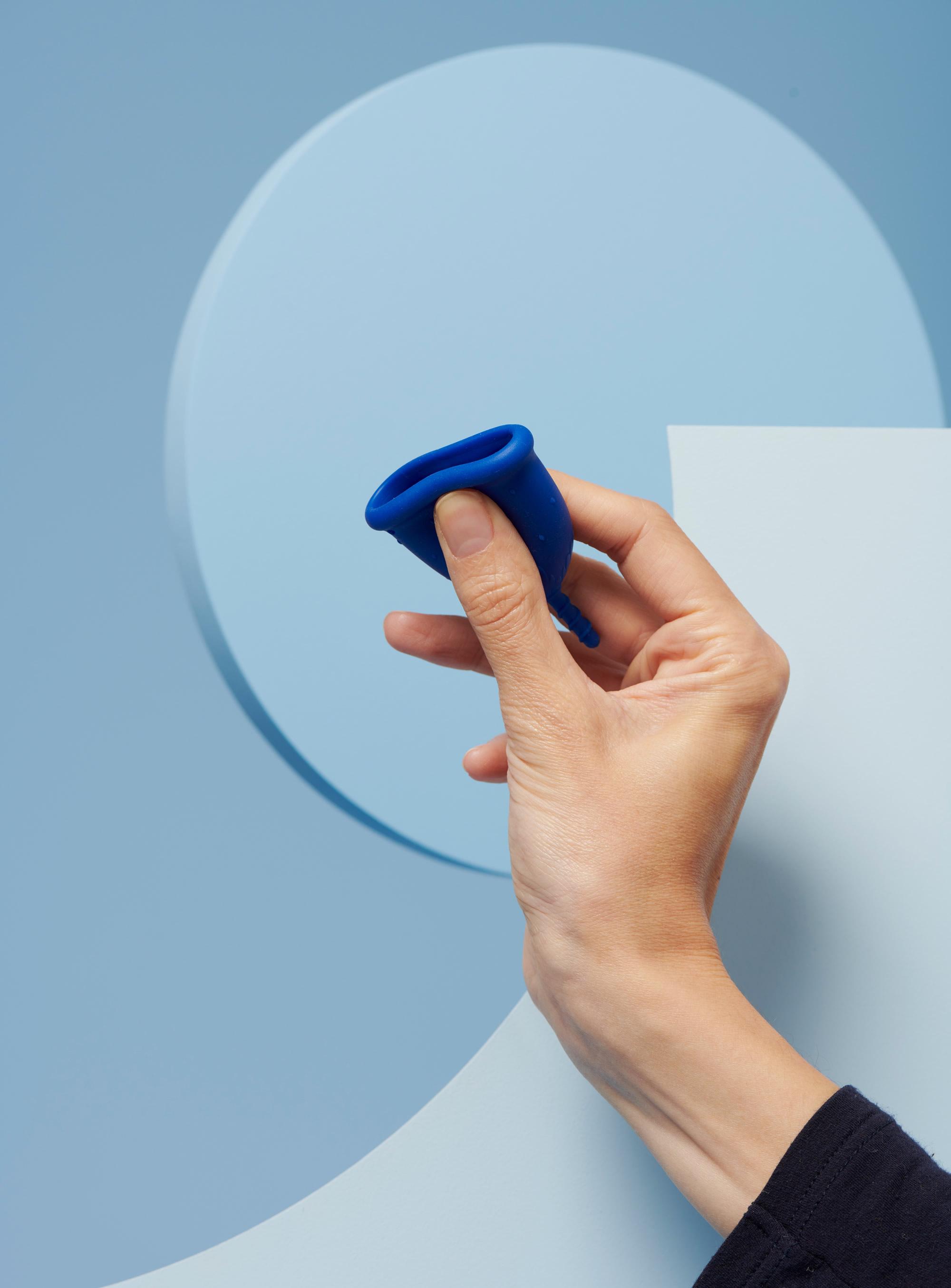 coupe menstruelle S bleu foncé pour flux léger à moyen - 4