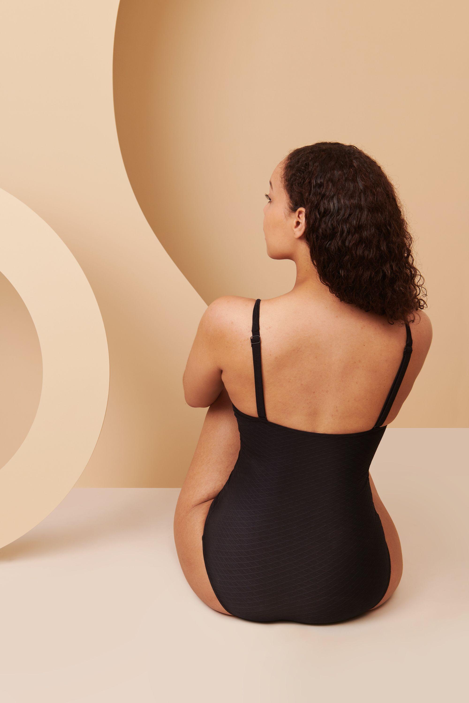 Maillot de bain menstruel de dos en taille 44