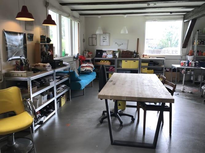 50 kvm atelier/kontor i smukt beliggende værkstedsfælleskab