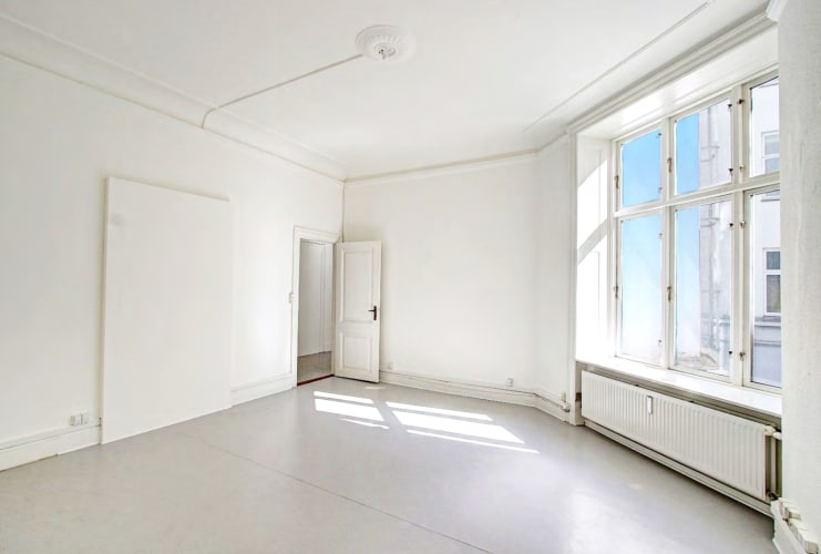 Faste kontorpladser i stille hus midt på Vesterbro